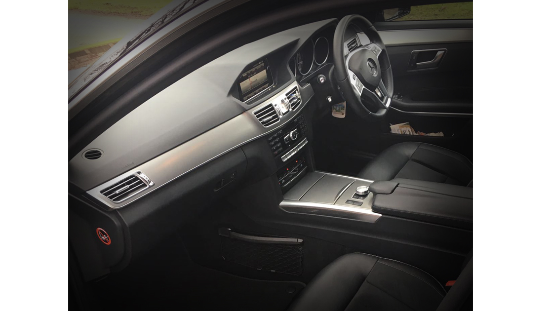 Executive Black E Class / Inside - Up To 4 Passengers